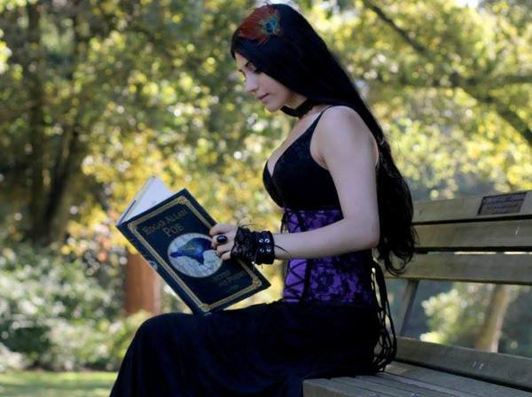 Goths en violet