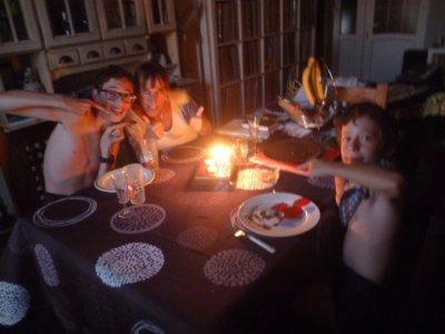 Soirée d'anniversaire en famille après boulot