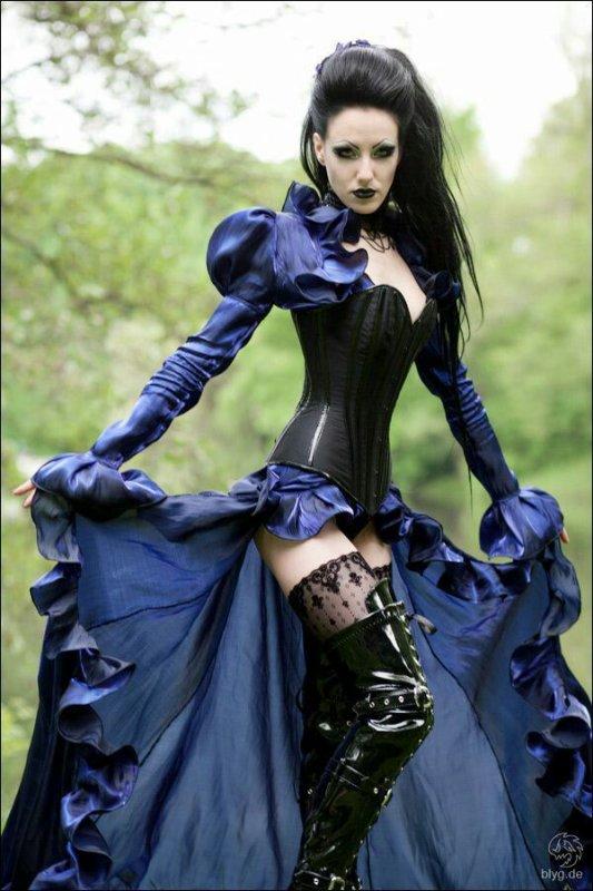 Sexy goths !
