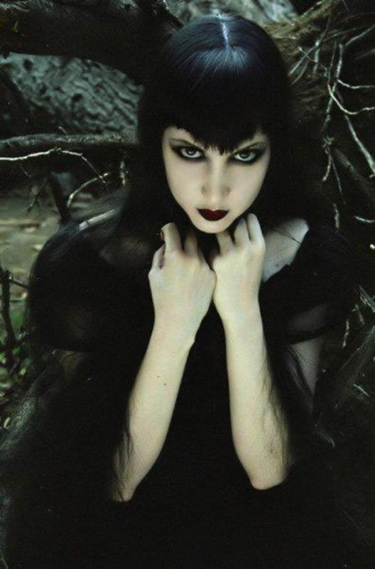 Wednesday Mourning : modèle et actrice