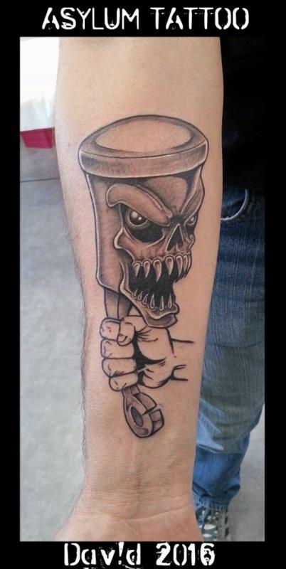 ASYLUM TATTOO POITIERS | Tattoo Piston