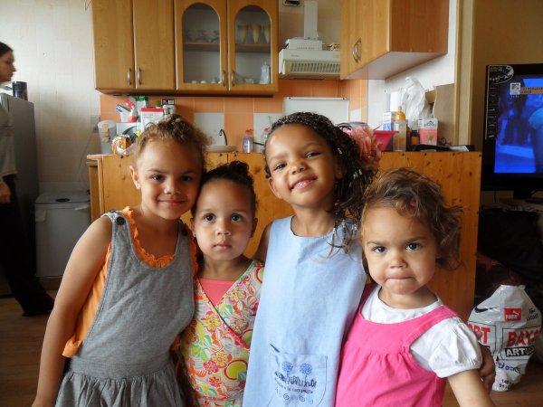 Ma filleule Leiyana, ma niéce Samira, ma fille Soraya et mon autre niéce Nawla