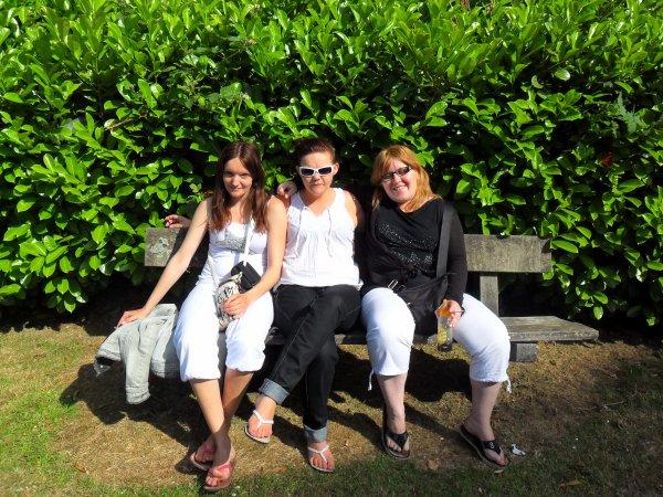 Moi, ma soeur et ma cousine