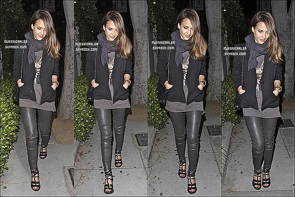 . 23/05/12 : Jessica et Cash ont été aperçu quittant le restaurant « Lucques » dans West Hollywood.  .