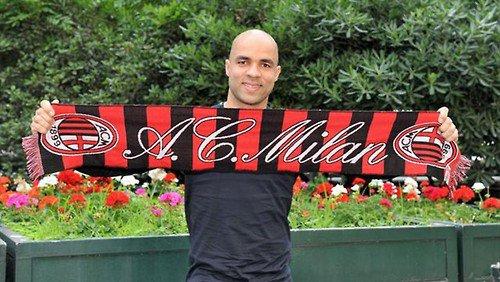 Alex quitte le PSG pour l'AC Milan