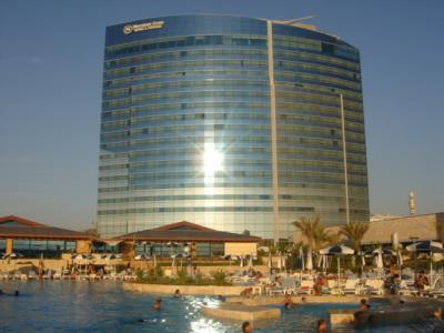 Cot piscine de l 39 hotel sheraton oran alg rie setif for Piscine demontable algerie