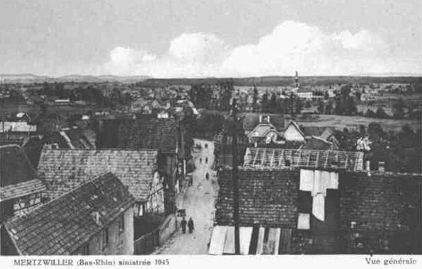 Vue sur la ville sinistrée en mars 1945