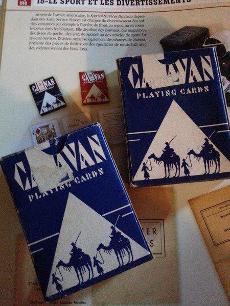 entrée du jours, c'est deux jeux de carte US WW2 de marque Caravan