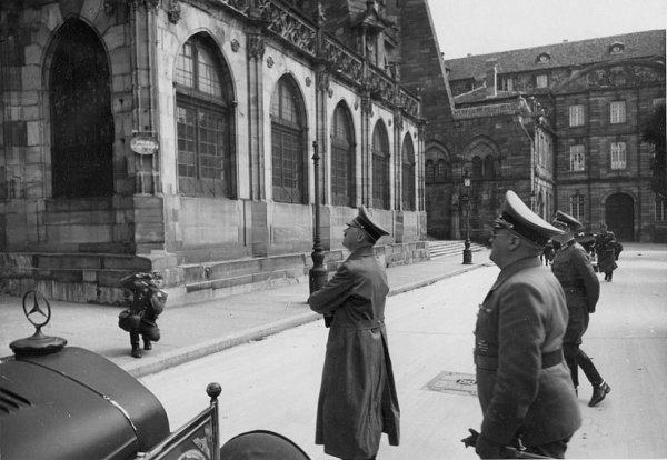 Hitler à la Cathédrale le 28 juin 1940