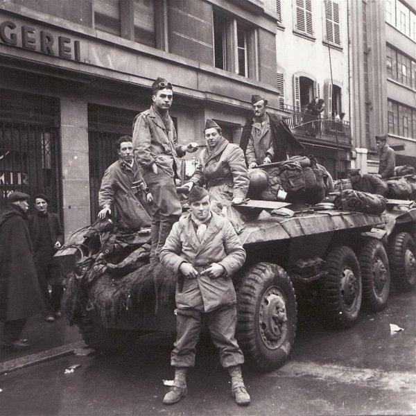 Soldats français devant la boucherie KIRN