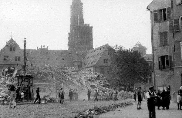 1944.08.11-decombres-6à9-pl-du-corbeau