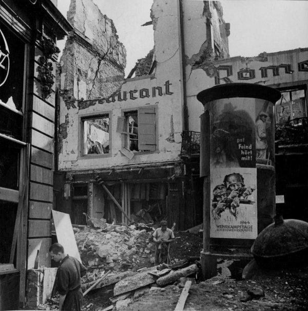 1944.08.11-vieux-marché-aux-grains
