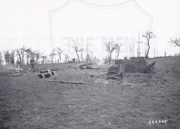 Mortiers de 81mm en position à Sarreinsberg, 8 Décembre 1944