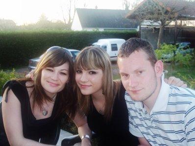 jvous aime <3 ma soeur & mon frere dans mon coeur a jamais
