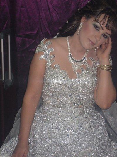 2201f96b7 Maquillage libanais et location de robe de mariée tunisienne ...