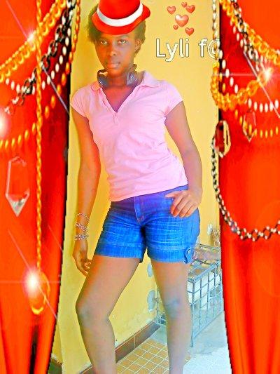 lyli f@§h!on