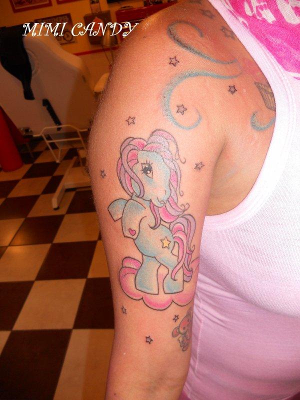 Nouveau tattoo fait par Princesse Pudding