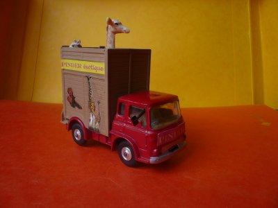 Avant / Après ; Le camion transport des girafes ...