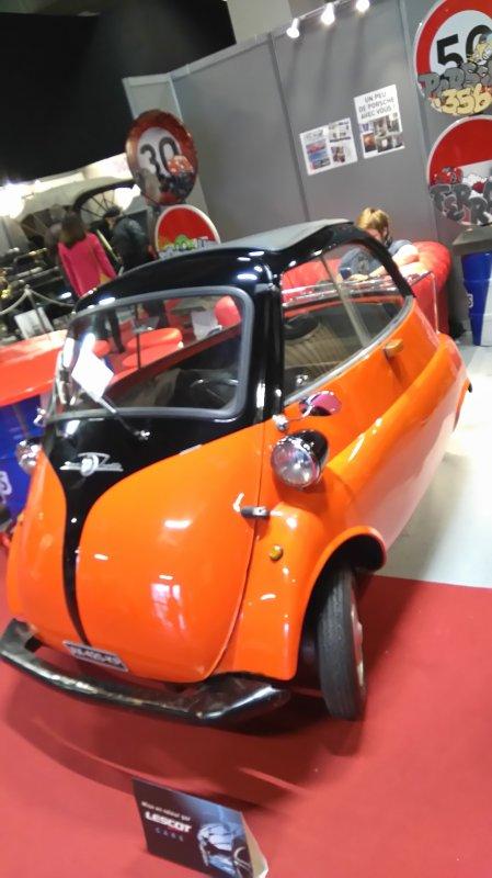 convoi de la plus petite voiture du cirque ....