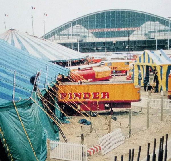 Le cirque arrive : Le convoi Chauffage ce n'est pas un luxe surtout en ce moment !