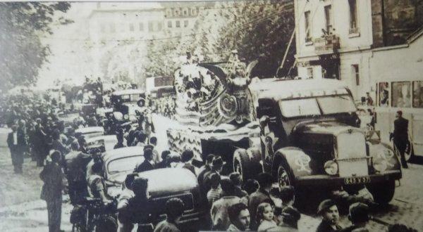 Le parade arrive :  Le char de la caravelle (1949)