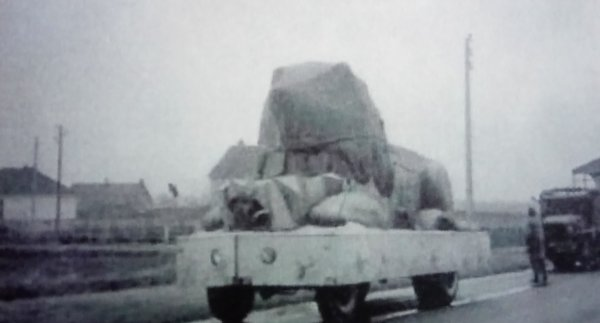 La parade arrive : Les convois qui dissimulent les chars ... 2 ème partie