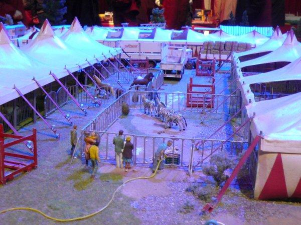 Suite et fin du 4ème salon de la maquette de cirque ...