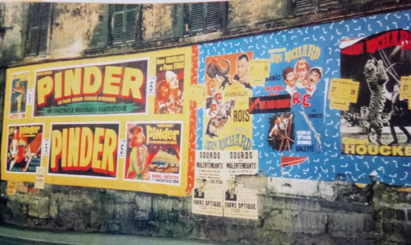Le cirque arrive... Les affiches fleurissent sur les mûrs des villes