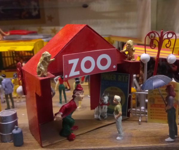 La tente de l'entrée du Zoo ...