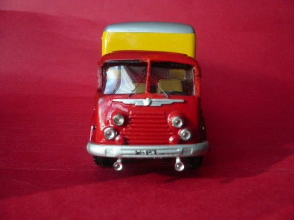 """Renault R 4220 dit le """" Fainéant """" ma dernière miniature et sa petite histoire ..."""