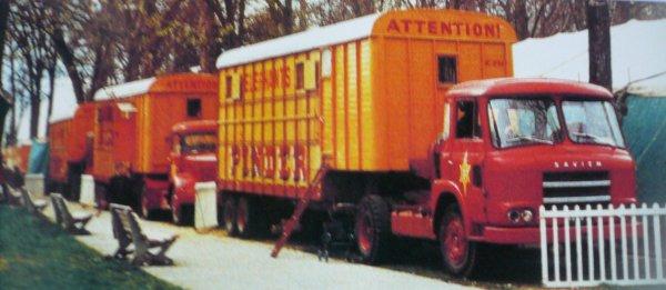 Le Tracteur SAVIEM pour le matériel ...