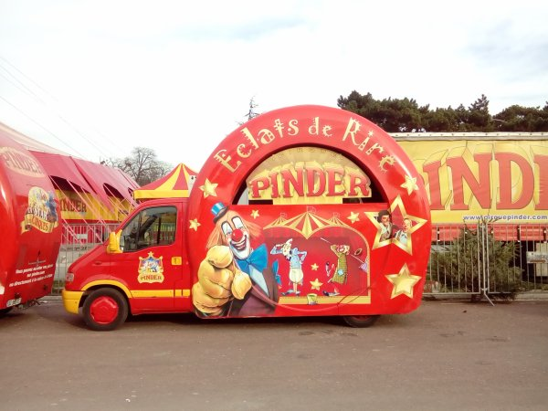 Véhicules de Parade Pinder 2015 pelouse de Reuilly
