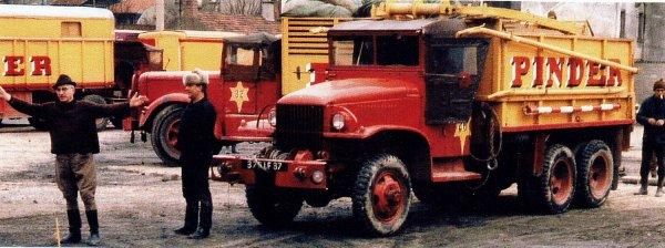 le GMC CCKW 353 dresseur de mâts ...