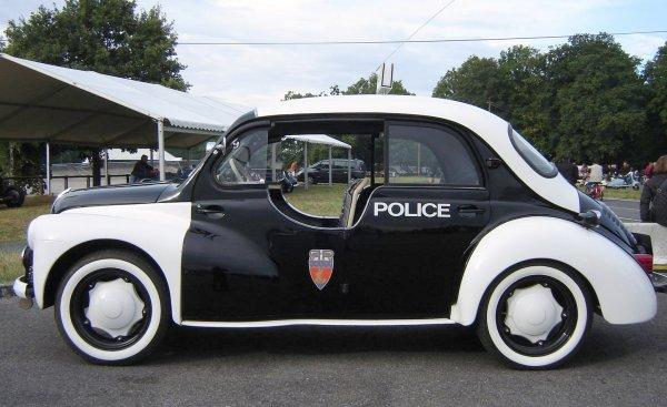 4 CV POLICE