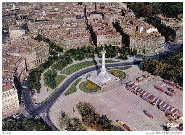 """Place des Quinconces ! accueil les grands chapiteaux '' Amar"""" """"Bouglione"""" """"Zavatta"""""""