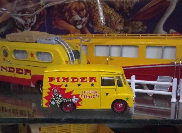 N° 2 Corgi Camion d'Antan avec la Camionnette ....