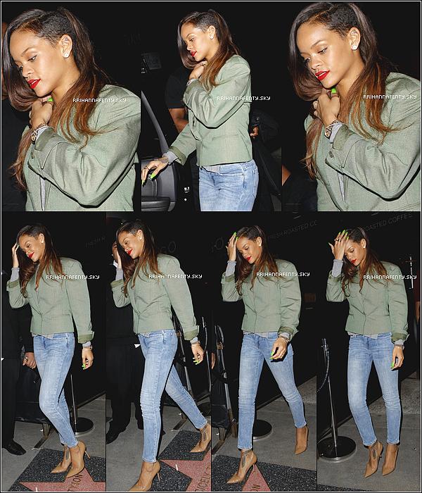 .Candids. : 18.01.2013 : Rihanna a été aperçue hier soir arrivant chez Chris Brown, toujours à Los Angeles.Ensuite, elle s'est rendue hier soir au club Emerson à Los Angeles avec sa meilleure amie Melissa, sa cousine Noella ainsi que son frère Rorrey.