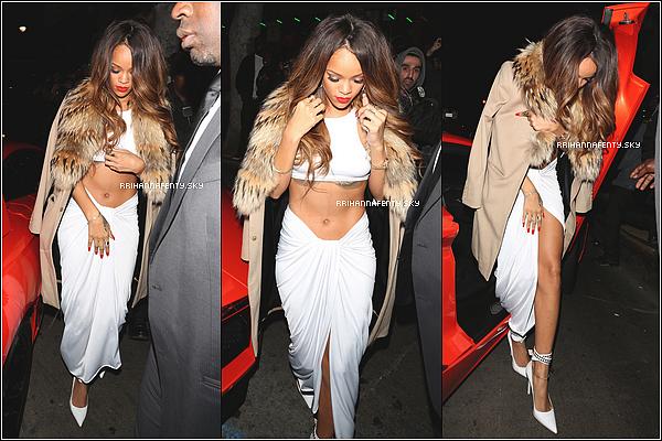 Apparitions Publiques : 10.02.2013 : Rihanna était présente au Grammy Awards 2013 dans une tenue magnifique où elle y était accompagné de Chris Brown. Elle a remporté le prix du Meilleur Vidéo Clip avec We Found Love. De plus, elle a chanté Stay et Could You Be Loved en compagnie de Bruno Mars, Sting et les Marley en hommage à Bob Marley.