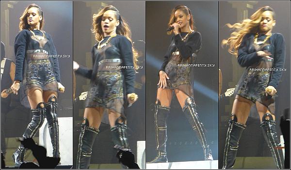 Live Performances : 15.03.2013 : Le Diamonds World Tour continue! Une semaine après le début de la tournée, Rihanna était hier soir à Hartford, aux États-Unis. Comme vous le savez, Rihanna a fait équipe avec la marque de cosmétiques MAC, dont elle va prochainement lancer sa propre collection. Elle utilise certains de ses propres produits pour se maquiller avant de monter sur scène.