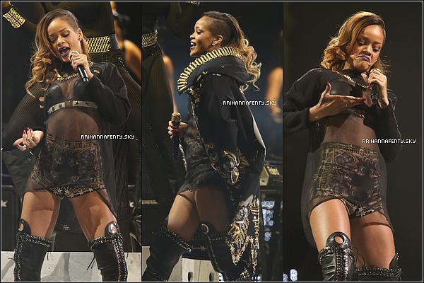 Live Performances : 24.03.2013 : Rihanna continue sa tournée endiablée du Diamonds World Tour et a performé à Saint-Paul, dans le Minnesota. De plus des photos avec des après le concert à Chicago sont maintenant disponible.