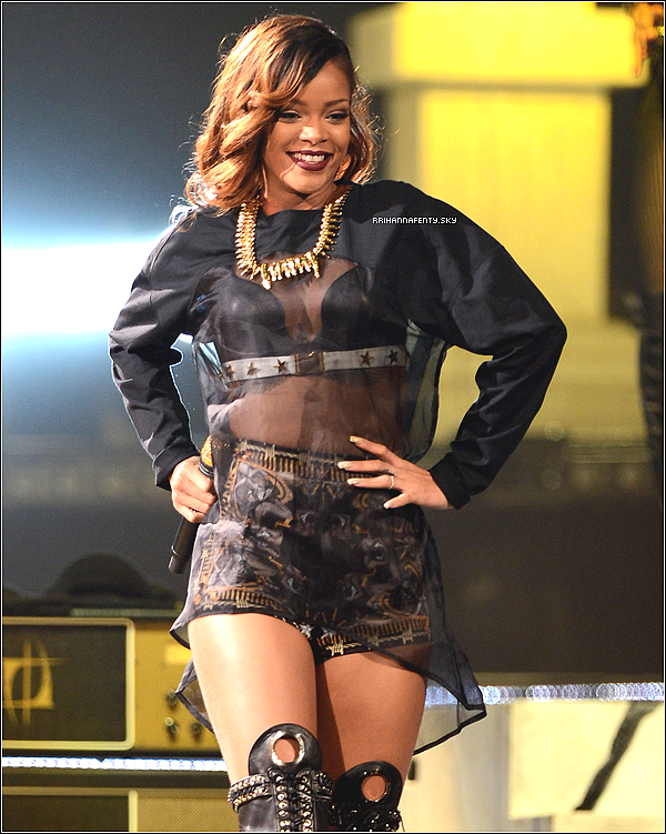 06.04.2013 : Rihanna a performé au HP Pavilion à San Jose en Californie. De plus, quelques photos venant du compte personnel Instagram de Rihanna sont disponible.
