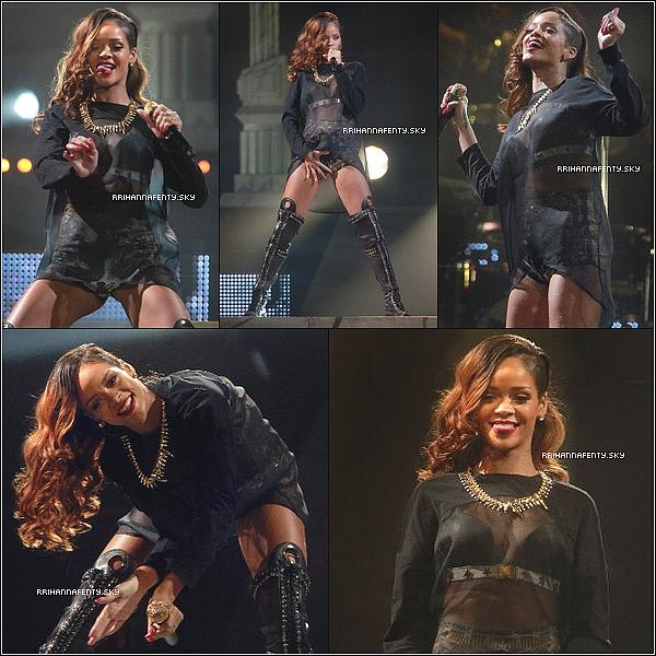 02.05.2013 :  Rihanna a donné un concert au Scotiabank Place à Ottawa, Canada. Ce concert marque le dernier concert canadien du Diamonds World Tour.