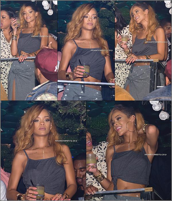 07.05.2013 :  Rihanna donnait le dernier concert de la partie Nord-américaine du DWT. Après le dernier show de sa tournée Nord-américaine, Rihanna s'est rendue au club Greenhouse à New York.