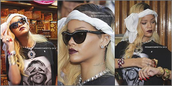 26.05.2013 : La tournée européenne de Rihanna a commencé au nord de l'Espagne. De plus, quelques photos venant de son compte Instagram sont disponible.