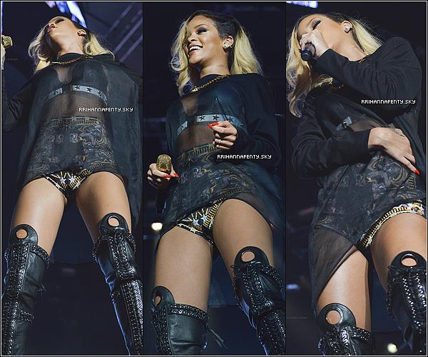 30.05.2013 : Rihanna est arrivée en Turquie pour performer à Istanbul au İnönü Stadium. De plus, quelques photos personnelles venant de son compte Instagram sont disponible.