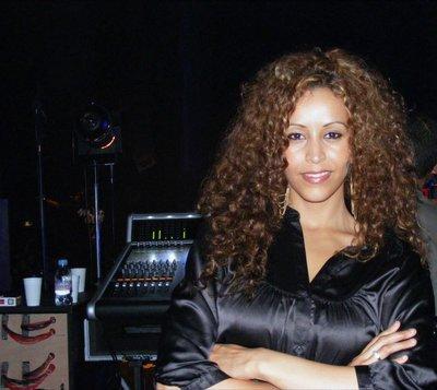 SANA chanteuse de R'N'B est née dans mon quartier