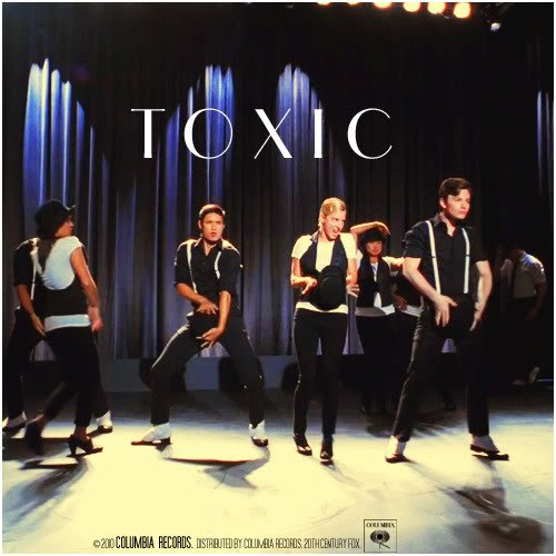 Glee cast  / Toxic  (2010)