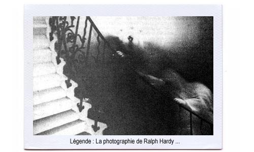 Un fantôme dans l'escalier du musée de Greenwish