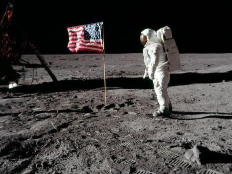 Neil Armstrong a-t-il vraiment marché sur la Lune ?