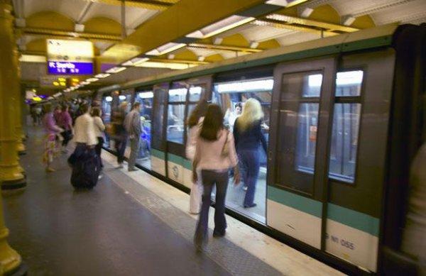 Il meurt en voulant se filmer sur le toit du métro parisien (ligne 6)